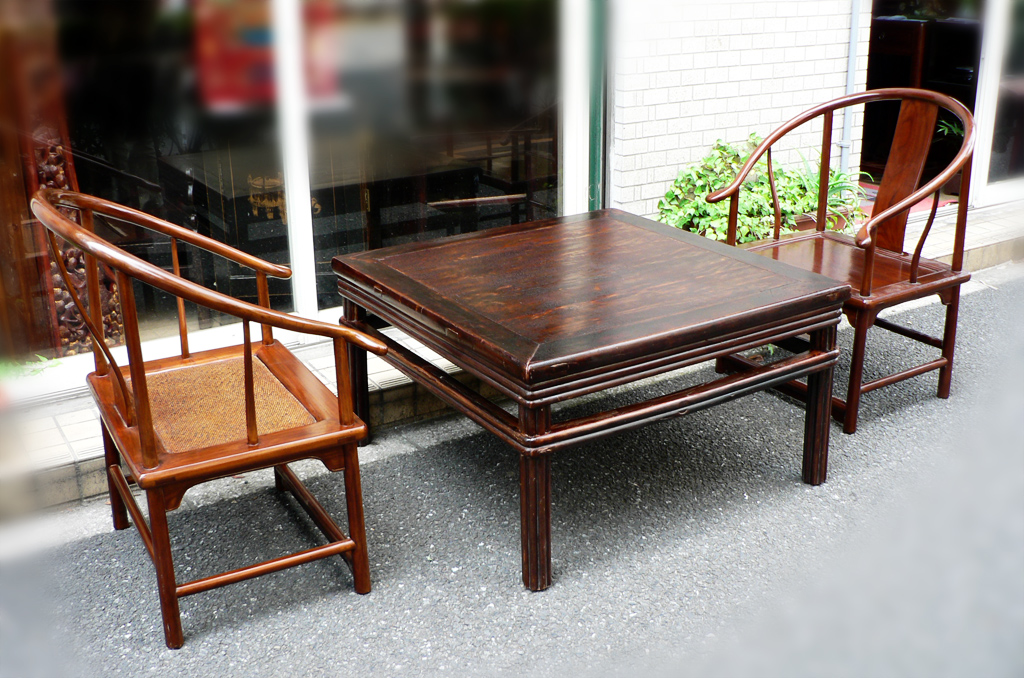 Elm Low Table 楡木ローテーブル later Qing Dynasty (19-20C) 清朝後期 ※Excepted chairs  ¥98,000. W:88 x D:88 x H:51(cm) - Chinese Antique Furniture Center, Tokyo JAPAN